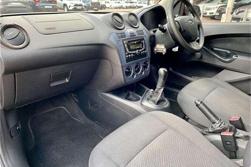 Ford Figo 1.4TDCi Ambiente 2014