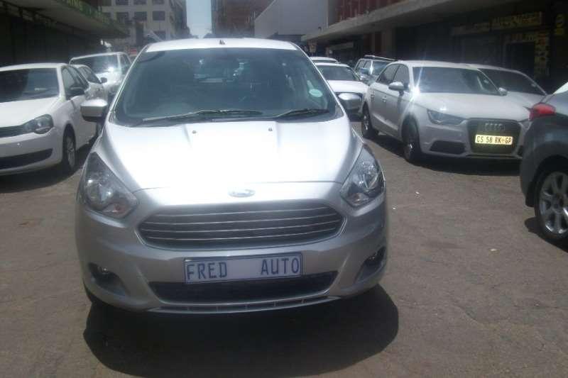 Ford Figo hatch 1.5 Titanium 2015