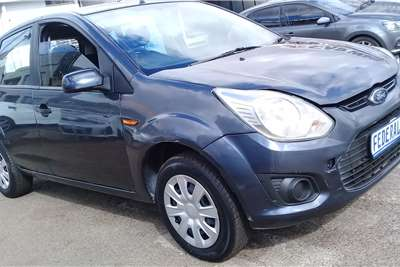 Ford Figo hatch 1.5 Trend 2014