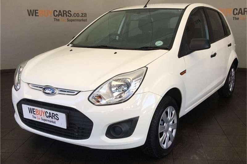 Ford Figo hatch 1.5TDCi Ambiente 2015