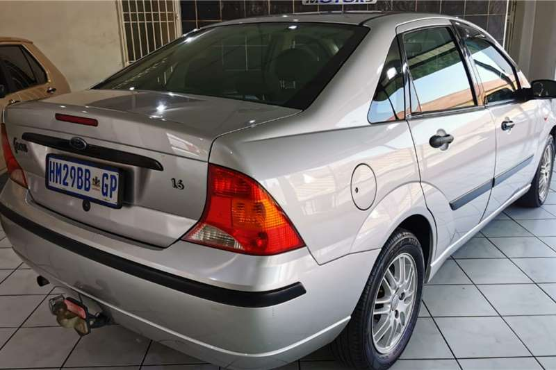 Used 2004 Ford Focus 1.6 4 door Ambiente