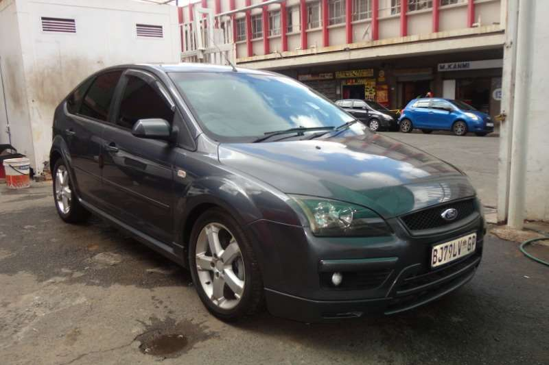 Ford Focus 1.6 4 door Ambiente 2007