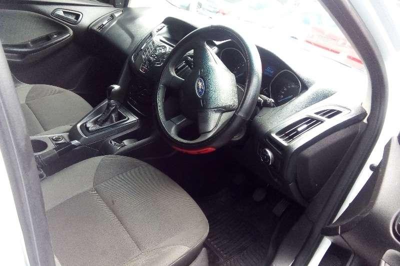 Ford Focus 1.6 4-door Ambiente 2011