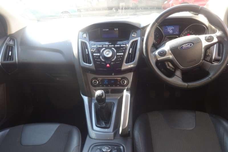 Ford Focus 1.6 4 door Ambiente 2011