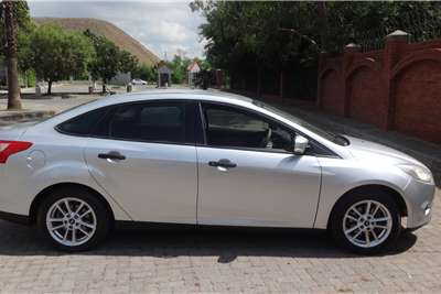 Ford Focus 1.6 4 door Ambiente 2012