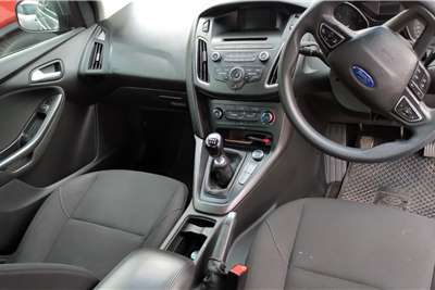 Ford Focus 1.6 4 door Ambiente 2016