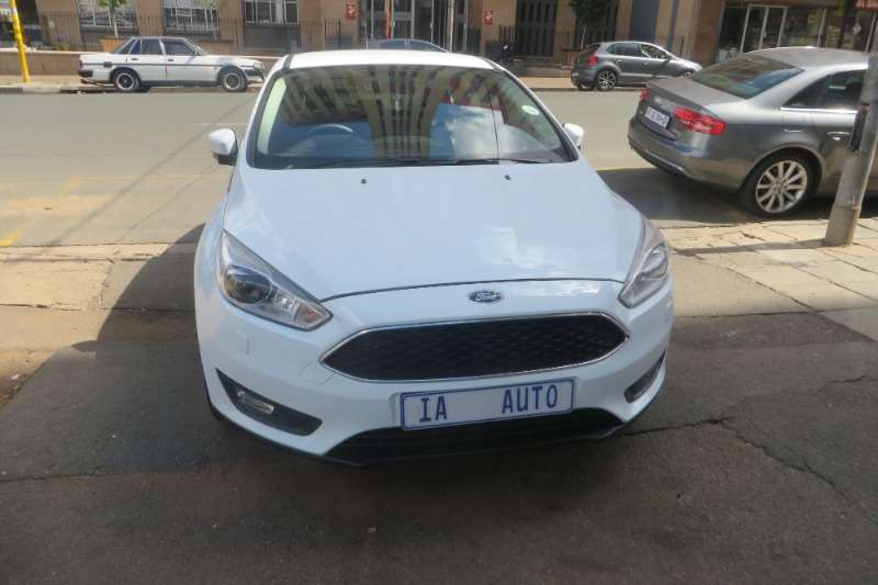 Ford Focus 1.6 4 door Ambiente 2017