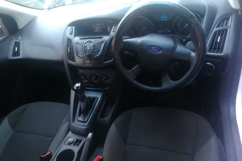 Ford Focus 1.6 5-door Ambiente 2012