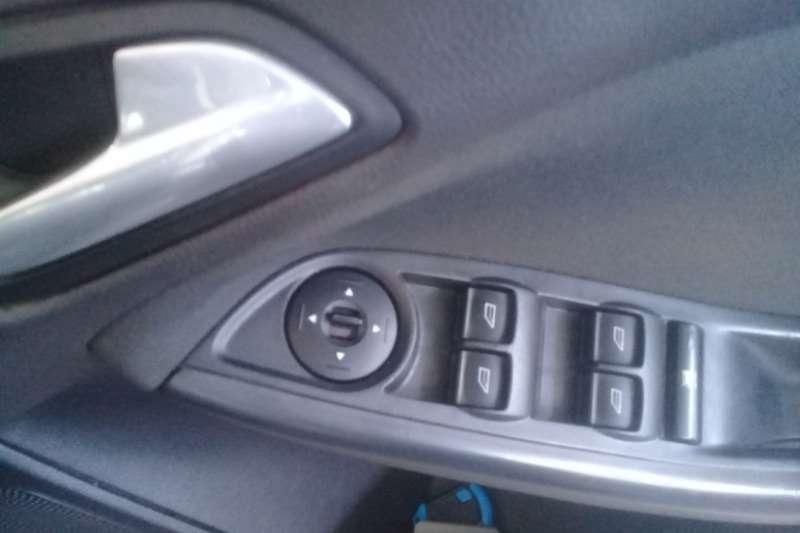 Ford Focus 1.6 5 door Ambiente 2013
