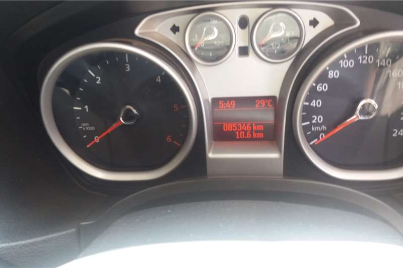 Ford Focus 1.6 5 door Ambiente 2014
