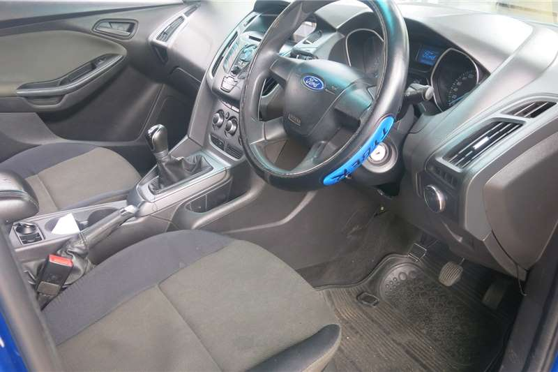 Ford Focus 1.6 5-door Ambiente 2014