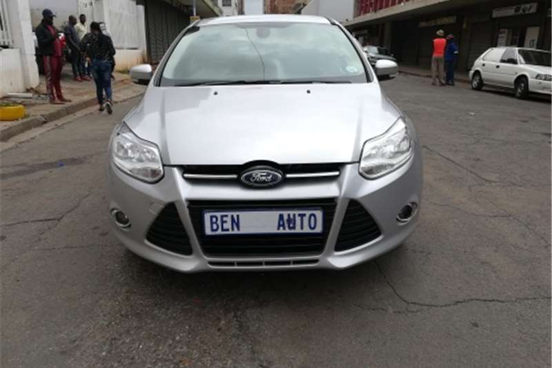 Ford Focus 1.6 5 door Si 2012