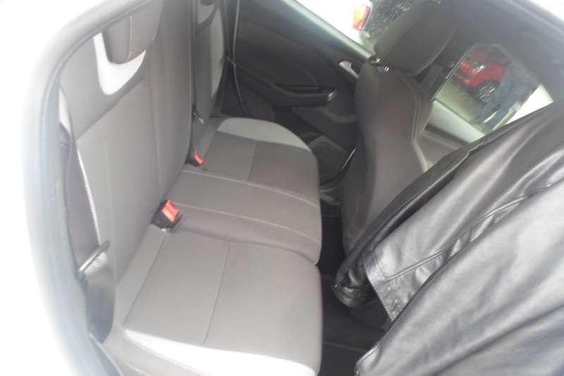 Ford Focus 1.8 4 door Ambiente 2013