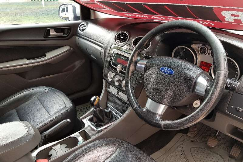 Ford Focus 1.8 5 door Si 2011