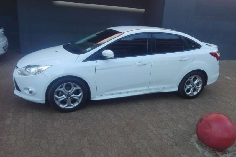 Ford Focus 1.8 sedan Ambiente 2014