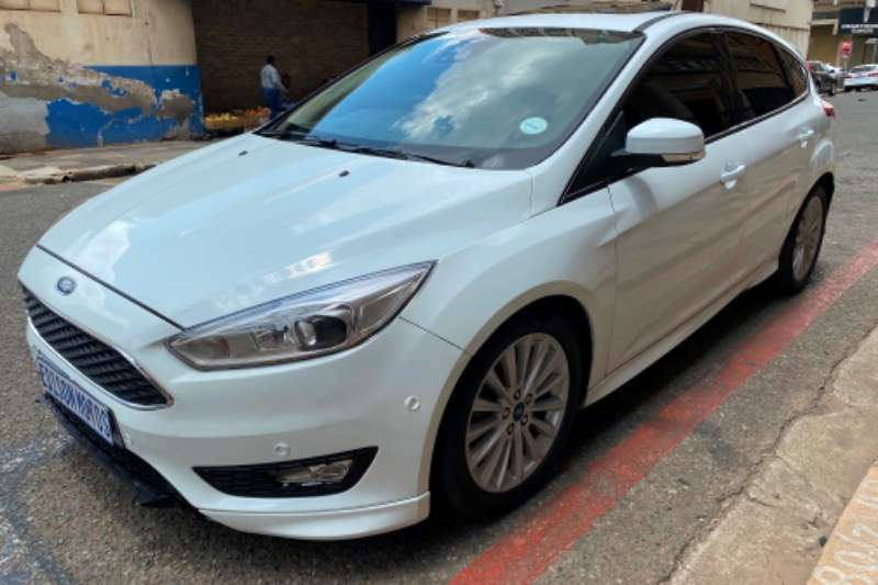 Ford Focus 1.8 sedan Ambiente 2017