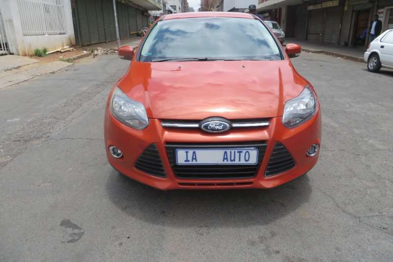 Ford Focus 2.0 4 door Trend 2011