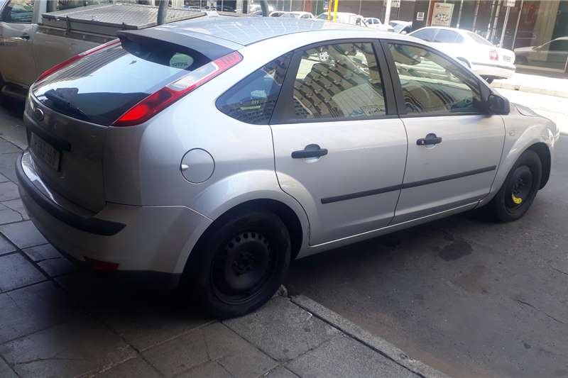 Ford Focus 2.0 4 door Trend automatic 2008
