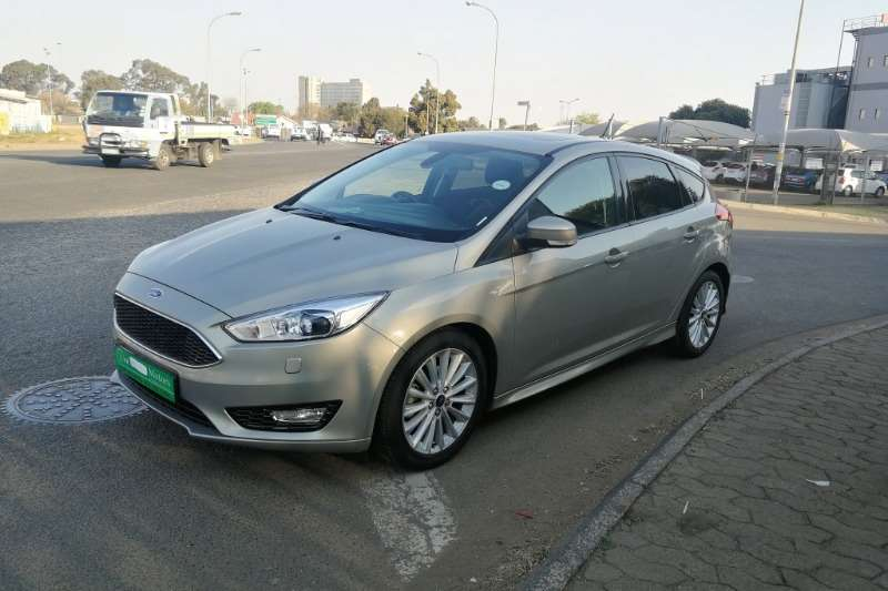 Ford Focus 2.0 4 door Trend automatic 2017