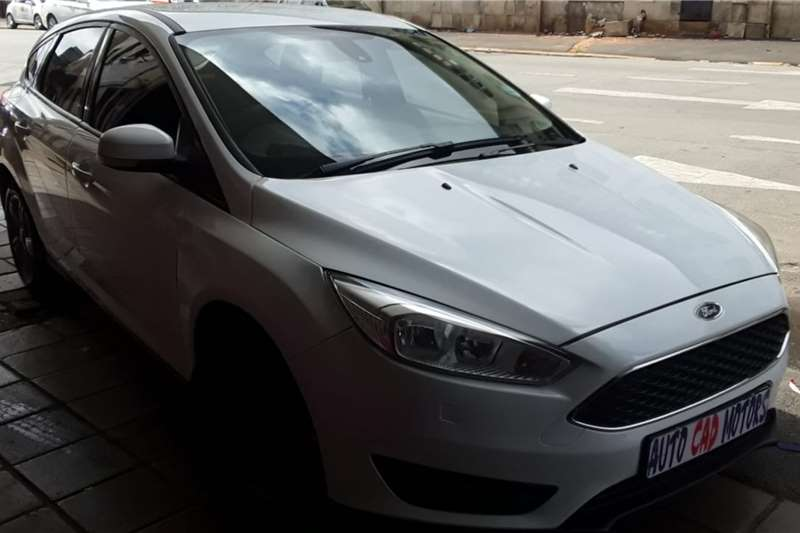 Used 2017 Ford Focus 2.0 4 door Trend automatic