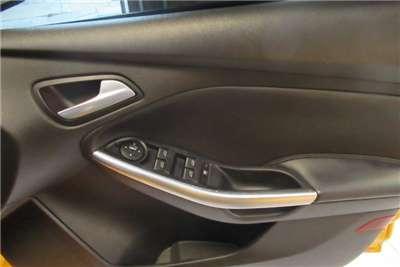Ford Focus 2.0 sedan Trend 2014