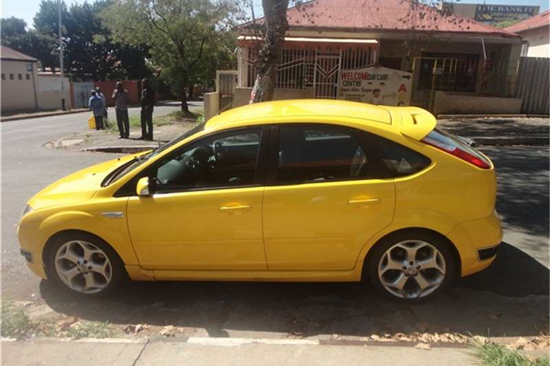 Ford Focus 2010 manual hatchback 2010