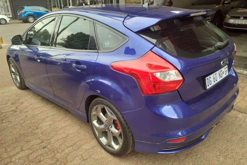 2014 Ford Focus ST 3 door (leather + sunroof + techno pack)