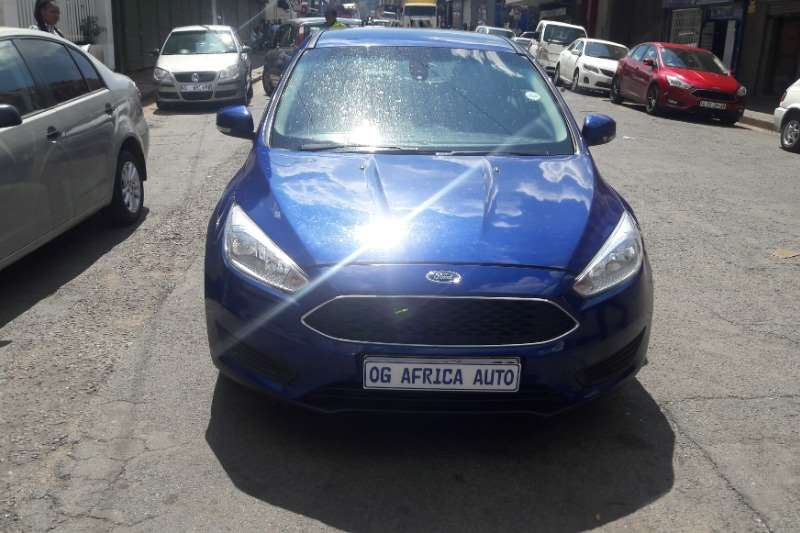 Ford Focus hatch 1.0T Ambiente 2016