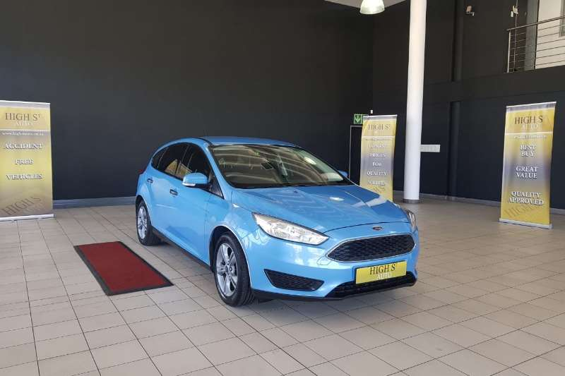 Ford Focus hatch 1.0T Ambiente auto 2017