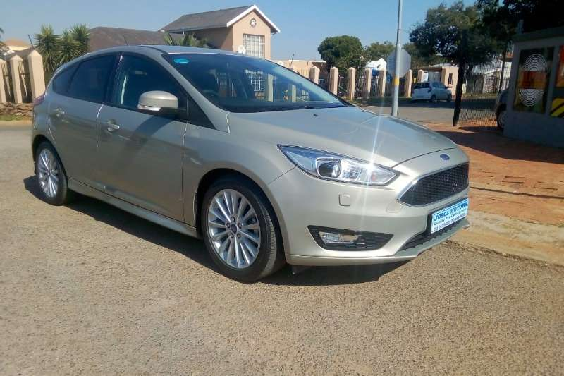 Ford Focus hatch 1.0T Ambiente auto Ecoboost 2017
