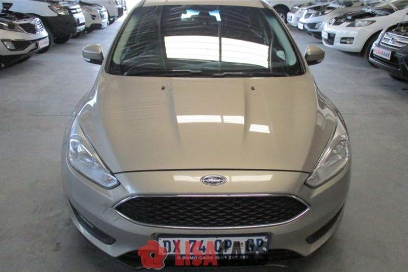 Ford Focus hatch 1.5T Trend 2015