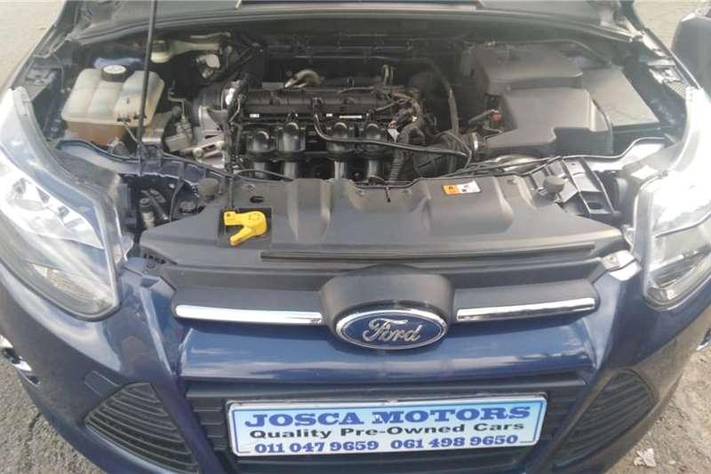 Ford Focus hatch 1.6 Ambiente 2011
