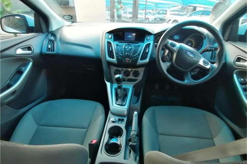 Ford Focus hatch 1.6 Trend 2012