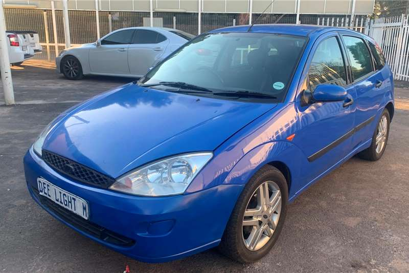 Ford Focus hatch 2.0 Trend 2003