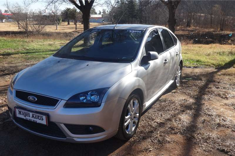 Ford Focus Hatch 5-door 1.6Si 2009