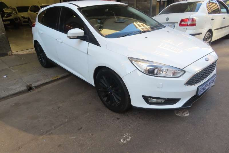 Ford Focus Hatch 5-door ecoboost 2016