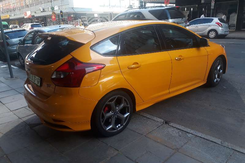 Ford Focus Hatch 5-door FOCUS 2.5 ST 5Dr 2015