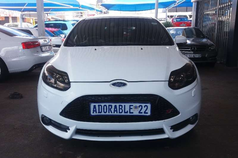 2013 Ford Focus hatch 5-door FOCUS 2.5 ST 5Dr