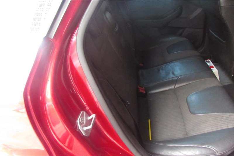 2013 Ford Focus hatch 5-door FOCUS 2.5 ST 5Dr