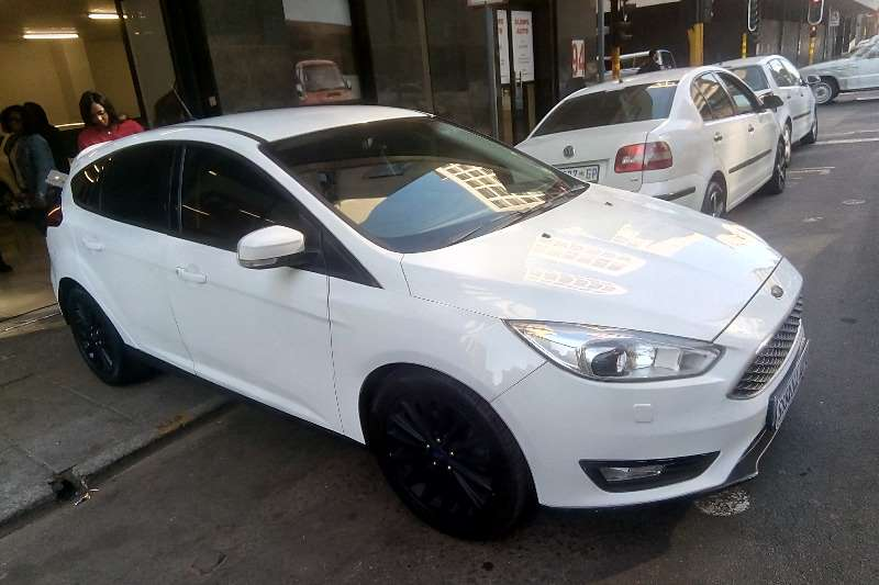 2015 Ford Focus 1.6 4 door Ambiente