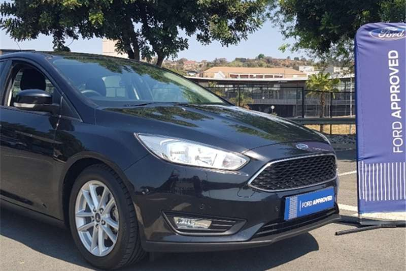 2016 Ford Focus sedan 1.0T Trend