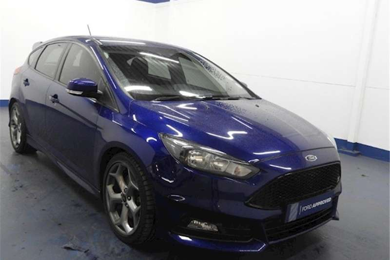 2017 Ford Focus ST 1