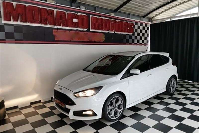 2018 Ford Focus ST 1
