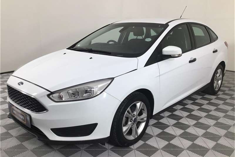 Ford Focus sedan 1.0T Ambiente 2015