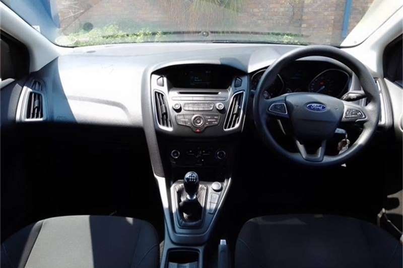 Used 2017 Ford Focus sedan 1.0T Ambiente