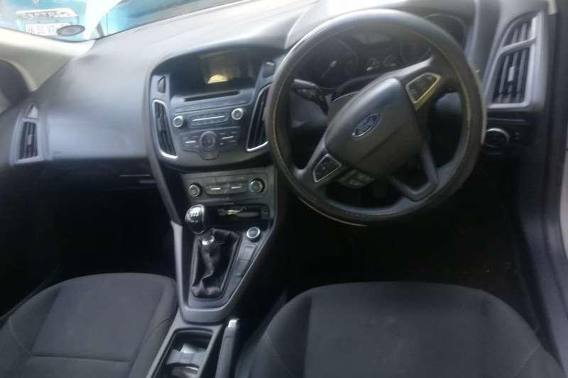 Ford Focus sedan 1.0T Trend 2015