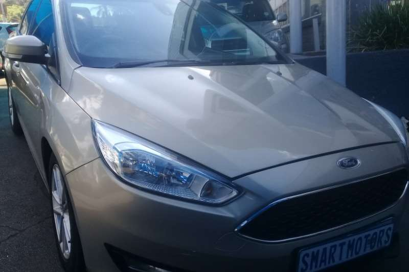 Ford Focus sedan 1.0T Trend 2015