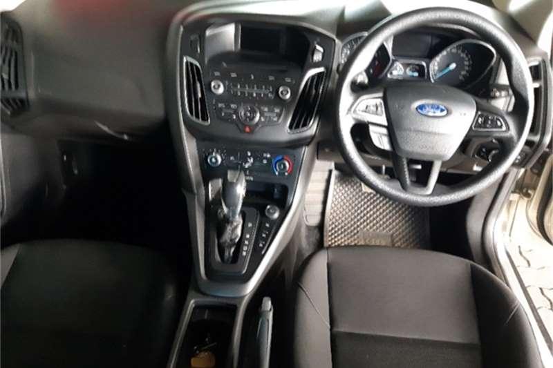 Ford Focus sedan 1.0T Trend auto 2016