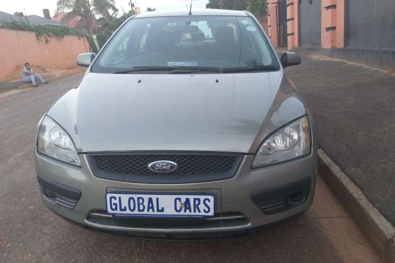 Ford Focus sedan 1.6 Ambiente 2006