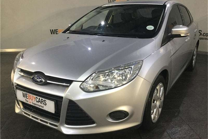 Ford Focus sedan 1.6 Ambiente auto 2013